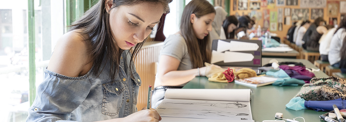Students in fashion design class