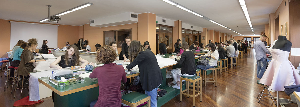 Students in pattern making lab class